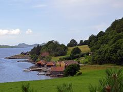 Boathouses at Hellandsvagen by <b>Amelia Royan</b> ( a Panoramio image )