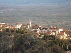GRAD NA GORI by <b>Jadranko Katavic</b> ( a Panoramio image )