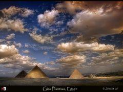 Panorama Great Pyramids by <b>essam_alshaaer</b> ( a Panoramio image )