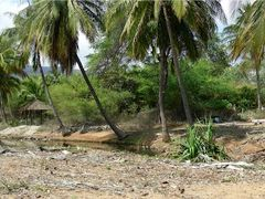 Abandoned Club Lanai grounds with sun shelters and lagoon. Taken by <b>Johnnyonthespot</b> ( a Panoramio image )
