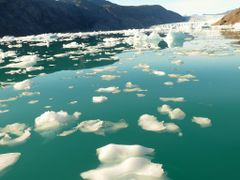 Hielo en Groenlandia.Campamento y fiordo verano 2012 by <b>nachogijon</b> ( a Panoramio image )