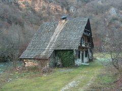 Old House by <b>Amir Demiri</b> ( a Panoramio image )