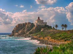 le fameux Grand Phare de ras el afia  by <b>aissam1115</b> ( a Panoramio image )