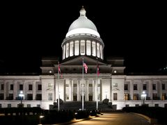 Arkansas State Capitol (night) by <b>wmr36104</b> ( a Panoramio image )