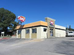 Dairy Queen by <b>Adam Elmquist</b> ( a Panoramio image )