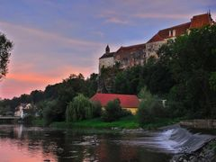 Evening romantic view of the castle Raabs and the river Thaya  by <b>Karel H.</b> ( a Panoramio image )