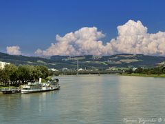 Rivers in Austria. Danube in Linz. View from the Nibelungen brid by <b>Roman Zazvorka</b> ( a Panoramio image )