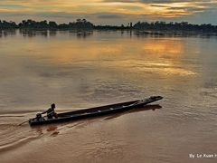Mekong Sunset In Paksan, Bolikhamsai, Laos by <b>Le Xuan Hung</b> ( a Panoramio image )