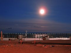 Diavik full moon by <b>windonfire</b> ( a Panoramio image )