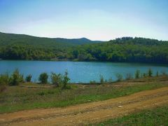 Вид на озеро by <b>Дмитрий Cкляренко</b> ( a Panoramio image )