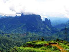 Louangphabang Highland, Laos. Enlarge Pls. by <b>Le Xuan Hung</b> ( a Panoramio image )