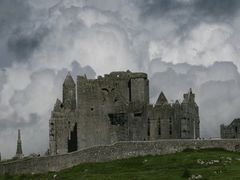 Rock of Cashel by <b>Cluainmeala</b> ( a Panoramio image )