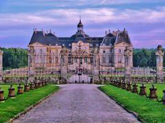 Сhateau de Vaux-le-Vicomte by <b>bonavista</b> ( a Panoramio image )