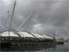 Genova, Porto Antico in a grey day by <b>Sergio Bagna</b> ( a Panoramio image )