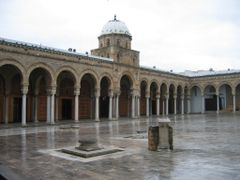 Tunus  - Tunis Mosque by <b>filiz kulan</b> ( a Panoramio image )