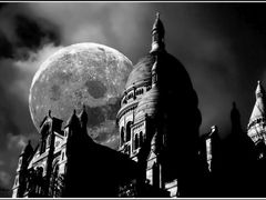 Full Moon in Paris! (Sacre Coeur) by <b>makis-GREECE ®</b> ( a Panoramio image )