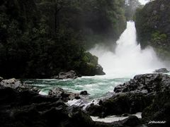 SALTO HUILO-HUILO. by <b>jotaceceo</b> ( a Panoramio image )