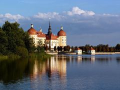 Schloss Moritzburg by <b>elazago</b> ( a Panoramio image )