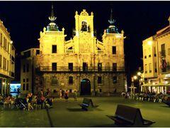 Ayuntamiento de Astorga (City Council Astorga) by <b>pedro-photography</b> ( a Panoramio image )