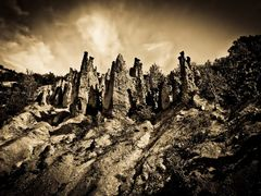 ...and they were petrified! by <b>d3funovic</b> ( a Panoramio image )