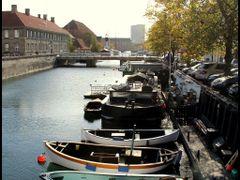 Frederiksholms Kanal, Copenhagen by <b>?k-cam</b> ( a Panoramio image )