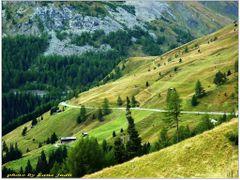 Panorama utvonal a Glossglockner hegyvonulaton at by <b>Lne Zana Judit</b> ( a Panoramio image )