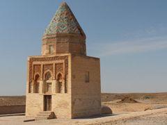 Alt-Urgench: Il-Arslan-Mausoleum by <b>Dr. Thomas Liptak</b> ( a Panoramio image )