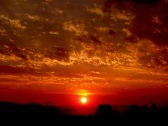 Hermoso amanecer en Leon Guanajuato Mexico by <b>? ? galloelprimo ? ?</b> ( a Panoramio image )
