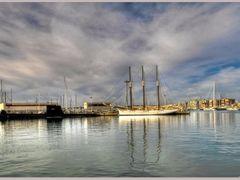 Torrevieja: Por el puerto 02. by <b>Pepe Balsas</b> ( a Panoramio image )