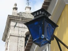 Outside lamp attached to Palacio Nacional, Sintra, Portugal (Ded by <b>Lucien Kivit</b> ( a Panoramio image )