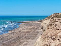 ?Colonia de Elefantes marinos? by <b>GustavoV</b> ( a Panoramio image )