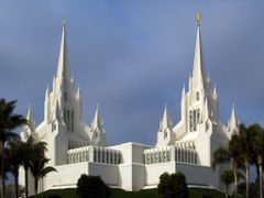 San Diego Temple by <b>Aaron Nuffer</b> ( a Panoramio image )