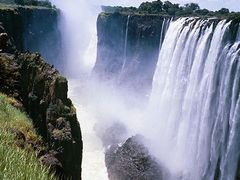 The spray from Victoria Falls by <b>jonahjones</b> ( a Panoramio image )