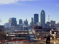 Iowa - Des Moines - Downtown by <b>chekki</b> ( a Panoramio image )