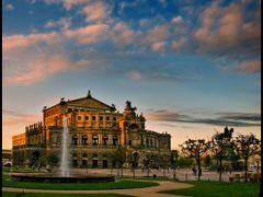 Semperoper am spaten Oktobernachmittag...{a.r.} by <b>angelofruhr</b> ( a Panoramio image )