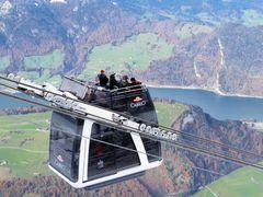 Cabriobahn Stanserhorn: die Fahrt an der frischen Luft ist ein t by <b>PriSka</b> ( a Panoramio image )