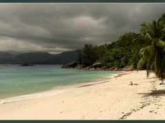 """Anse Soleil (avant la pluie), Mahe, Seychelles by <b>Pom""""</b> ( a Panoramio image )"""