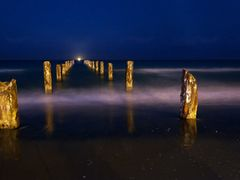 Far Light by <b>Uri Wise</b> ( a Panoramio image )