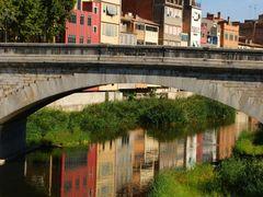 Girona, Pont de Piedra - ambos lados de la hermosa ciudad - DEC. by <b>Christos Theodorou</b> ( a Panoramio image )