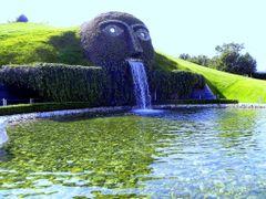 Swarovsky szokokut.   Swarovsky fountain.   by <b>venordas</b> ( a Panoramio image )