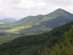 Straz Mt. (740m) - part of East Slovakian Neogene volcanic range by <b>Jan Madaras</b> ( a Panoramio image )