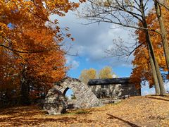 FALL COLORS - Hart House farm by <b>Fito Rojas</b> ( a Panoramio image )