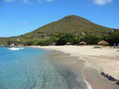 Beach near the dock, Virgin Gorda by <b>DeEtte Fisher</b> ( a Panoramio image )