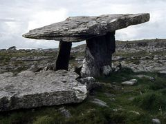 Poulnabrone Megalithic Tomb im Burren (1980) by <b>alitza</b> ( a Panoramio image )