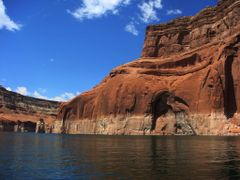 Majestic rocks at Lake Powell by <b>DeEtte Fisher</b> ( a Panoramio image )