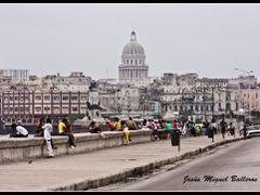 * La Vida En El Malecon by <b>Jesus Miguel Balleros</b> ( a Panoramio image )