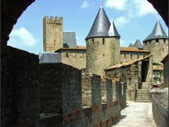 Carcassonne. Remparts de la cite. by <b>Ladush</b> ( a Panoramio image )