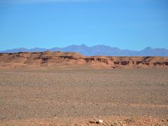 The desert in the region of Ouarzazate and the Atlas mountains o by <b>Luca Terracciano</b> ( a Panoramio image )