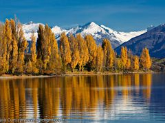 Autumn Wanaka by <b>magiclight</b> ( a Panoramio image )