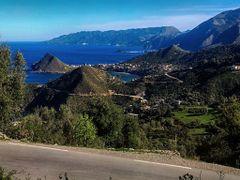 vue sur la corniche de jijel by <b>aissam1115</b> ( a Panoramio image )